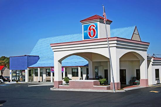 Photo of Motel 6 Calhoun