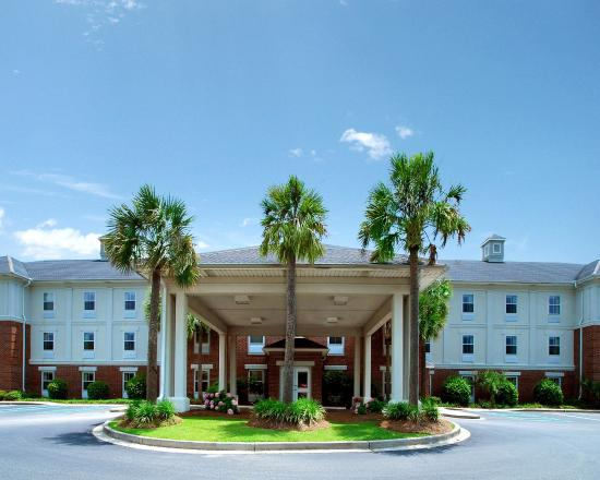 Photo of Quality Inn & Suites Patriots Pt. Mount Pleasant