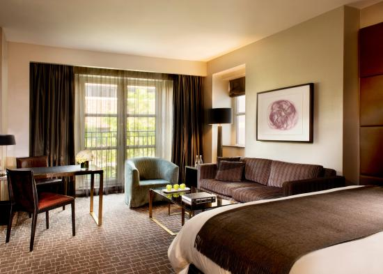 The Hazelton Hotel: Luxury King Room