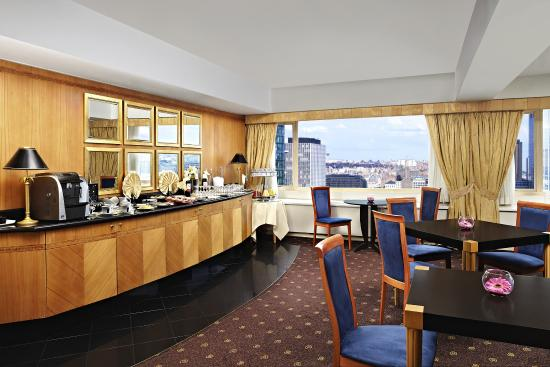 Sheraton Brussels Hotel: Club Lounge