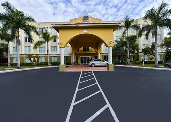 Photo of Comfort Suites Sawgrass Tamarac