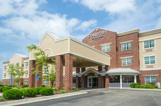 Photo of Country Inn & Suites Kansas City at Village West