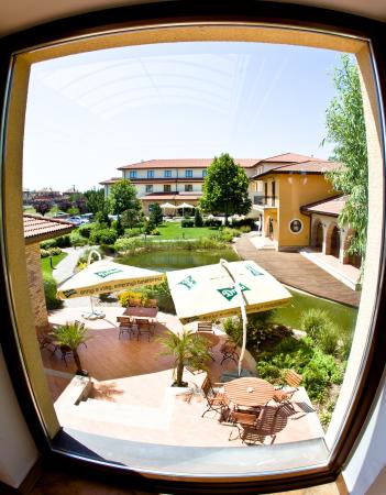 Photo of Stacio Airport  Hotel Vecses