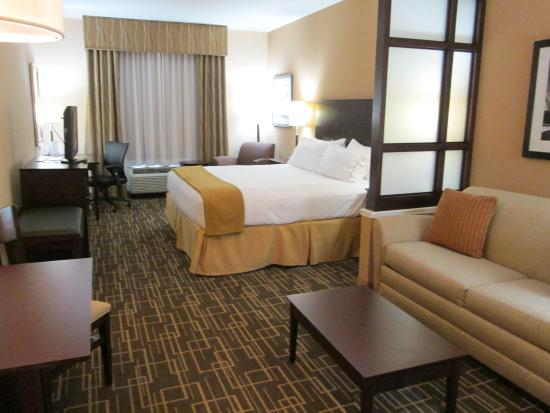 Holiday Inn Express & Suites Jackson Northeast