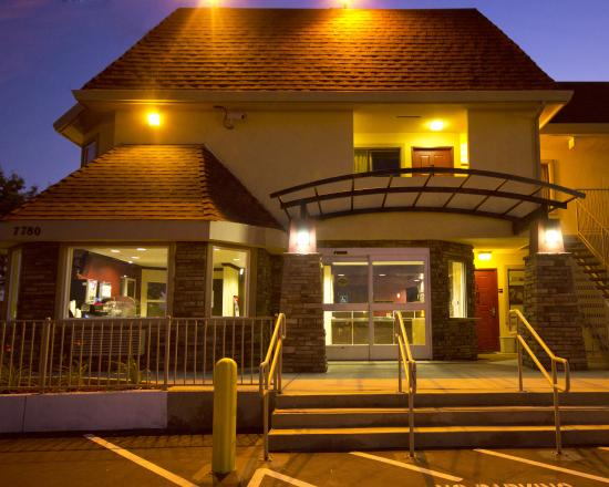 Red Roof Inn Sacramento - Elk Grove