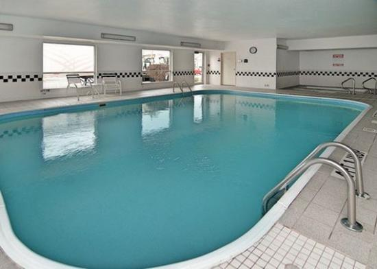Pool picture of quality inn suites springfield for A new you salon springfield il