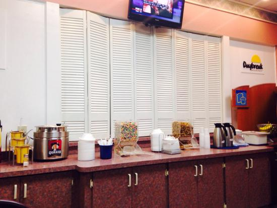 Days Inn & Suites Port Richey: Cereal ok