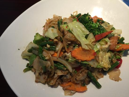 Drunken noodle picture of ayara thai cuisine los for Ayara thai cuisine los angeles ca