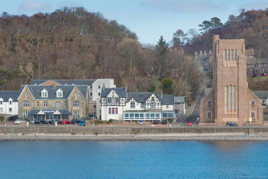 Oban Bay Hotel On The Left Of Photo Oban Bay Hotel Spa Oban Tripadvisor