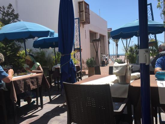 terrasse face la mer picture of le parasol bleu agadir tripadvisor. Black Bedroom Furniture Sets. Home Design Ideas