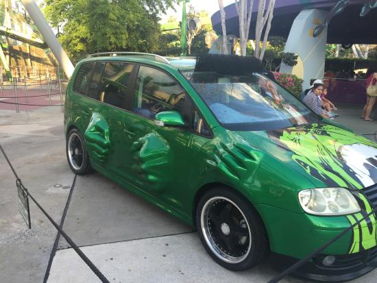 http://media-cdn.tripadvisor.com/media/photo-s/07/88/e0/28/hulk-car.jpg