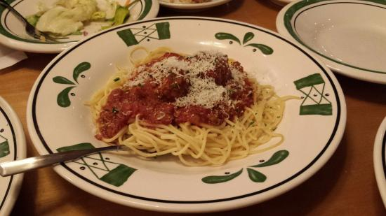 You can 39 t beat the all you can eat soup and salad lunch review of olive garden burlington wa What time does the olive garden close