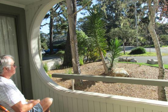 BEST WESTERN The Inn & Suites Pacific Grove: Patio view