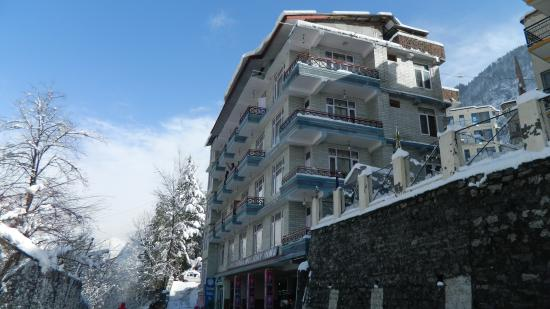 Photo of Chichoga Holiday Inn Manali