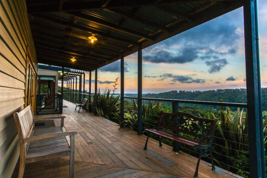 King Parrot Cottages & Conference Retreat