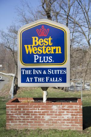 BEST WESTERN PLUS The Inn & Suites At the Falls: Bestwestern at the falls
