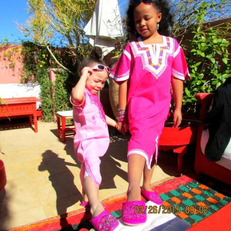 Riad La Terrasse des Oliviers: The girls showing off their shoes from the market.