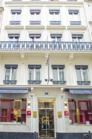Photo of Migny Hotel Opera Montmartre Paris