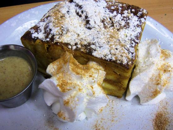 Port Saint Lucie, ฟลอริด้า: Our ovenbaked French Toast is a real HIT!!