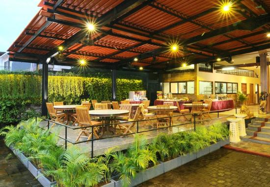 Green Garden Cafe Kuta Jl Wana Segara Also Known As