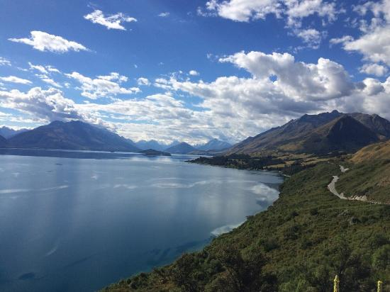Little Paradise Lodge: Road from Queenstown to Little Paradise