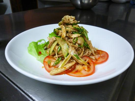 The Sand Bar Photo: White cooked chicken salad Sichuan style