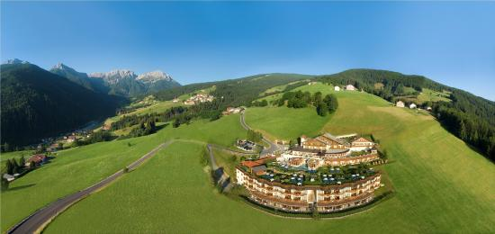 Photo of Alpin Panorama Hotel Hubertus Sorafurcia