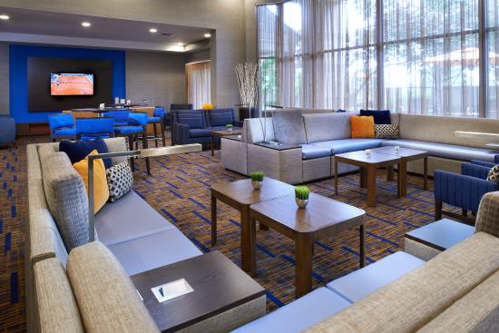 Courtyard by Marriott Kansas City Overland Park Convention Center