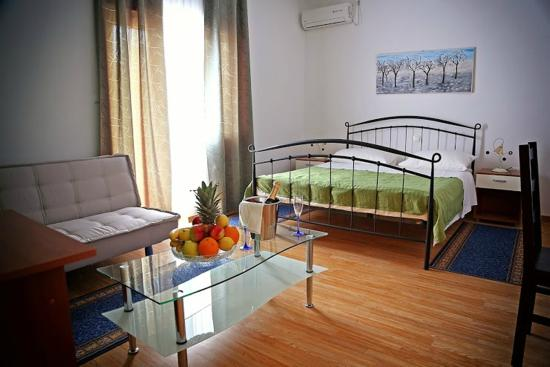 Photo of Hotel Apartments de Chiudi Trogir