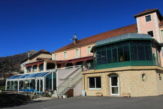 Ext rieur picture of muret hotel restaurant sigoyer for Exterieur restaurant