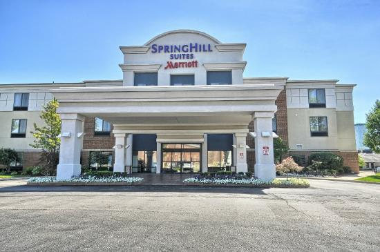 Photo of SpringHill Suites Detroit Southfield
