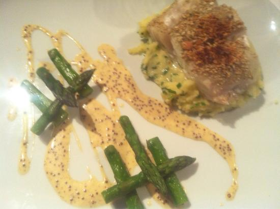 Tolbooth restaurant picture of tolbooth restaurant for Fish and asparagus