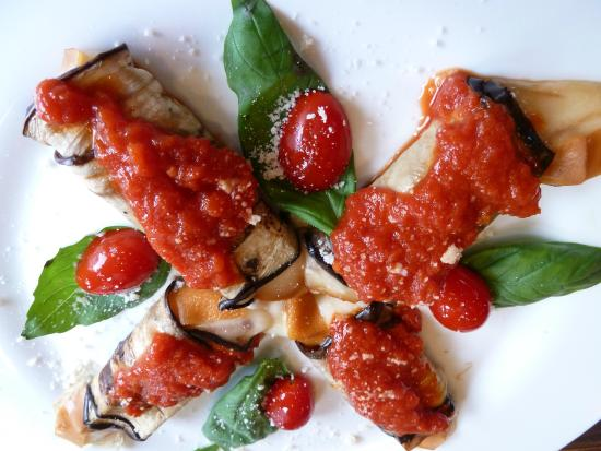 Eggplant, mozzarella and tomato sauce - Picture of Gusto Italiano, Ho ...