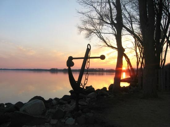 Fort Atkinson (WI) United States  city pictures gallery : Sunset Bar & Grill Inc: Sunset Bar & Grill on Lake Koshkonong Great ...