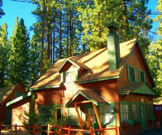 Golden Bear Cottages Resort