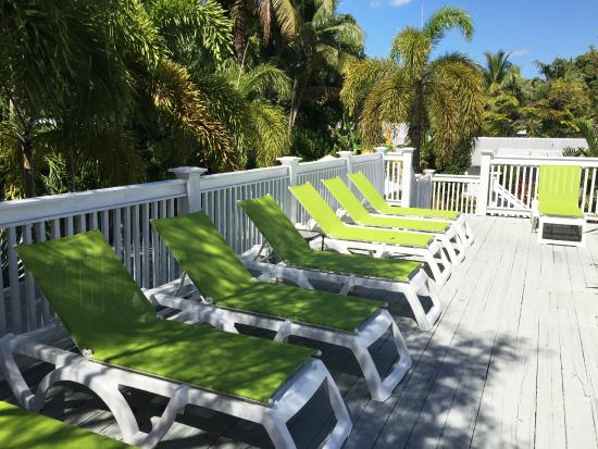 Chelsea house hotel sun deck picture of chelsea house for Chelsea pool garden key west