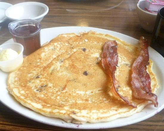 French Toast w/Sausage ... - Picture of Simpson Avenue Grill, Hoquiam ...