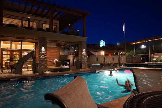 Pool spa picture of best western plus canyonlands inn for Best western moab