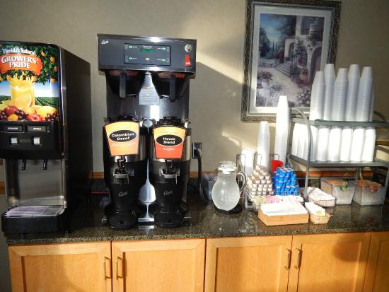 Breakfast Bar Coffee Area Picture Of Wingate By Wyndham