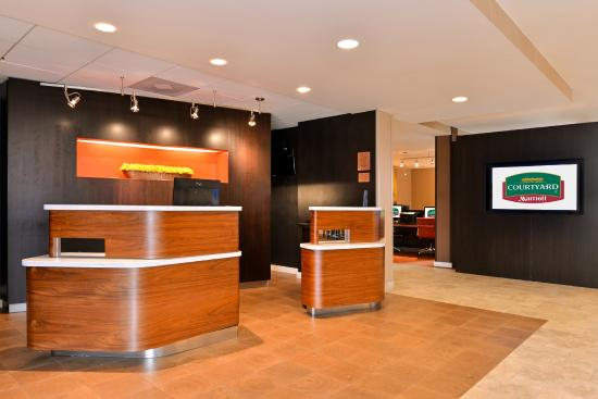 Courtyard by Marriott Dallas LBJ at Josey Photo