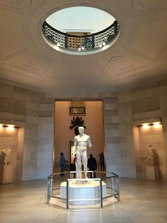 the minneapolis instatute of arts review Established in 1883 and housed within a greek-columned building, minneapolis institute of art displays more than 80,000 examples of art in a variety of forms the museum's grounds span 32 hectares (8 acres.