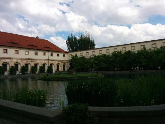 Wallenstein palace gardens picture of wallenstein palace for Jardin wallenstein prague
