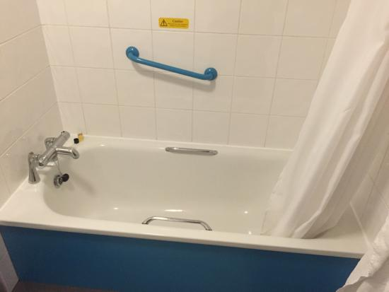 Vasca da bagno - Picture of Travelodge Birmingham Fort ...