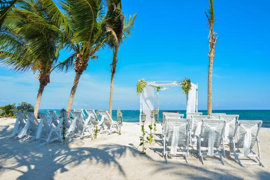 Set Up For Our Wedding Picture Of Akumal Bay Beach