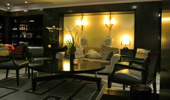 salle de lecture picture of sofitel paris le faubourg. Black Bedroom Furniture Sets. Home Design Ideas