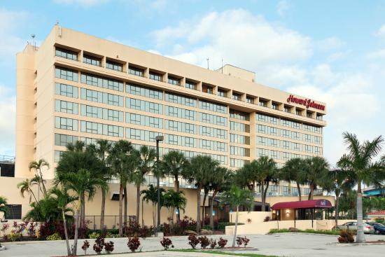 Howard Johnson Plaza Hotel Miami Airport