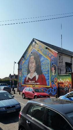 Both sides of the fence history in the making for Belfast mural tours