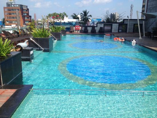 Swimming Pool Picture Of Holiday Inn Cochin Ernakulam Tripadvisor