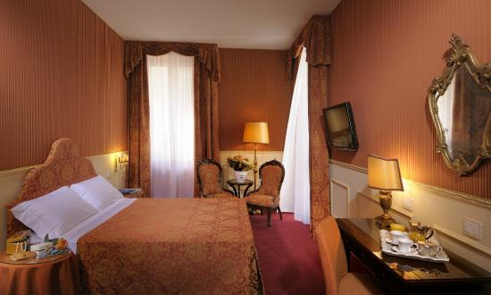 Photo of Hotel Antica Porta Leona Verona