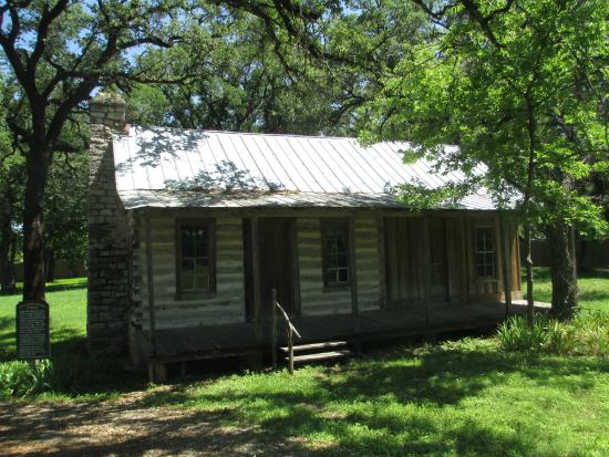 Another cabin picture of paluxy heritage park glen rose for Cabins near glen rose tx